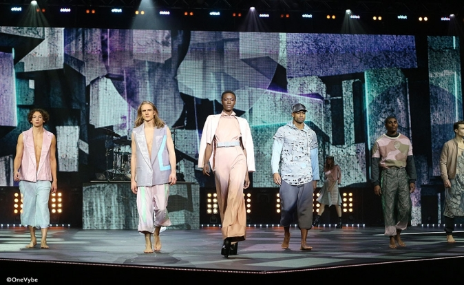 Daecolm and Charlotte OC perform at 2016 Clothes Show as part of 'Rock the Runway': Videos